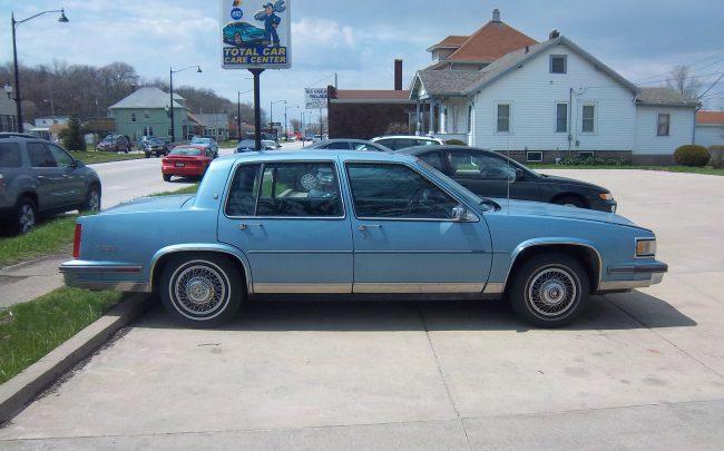 1988 Sedan de Ville